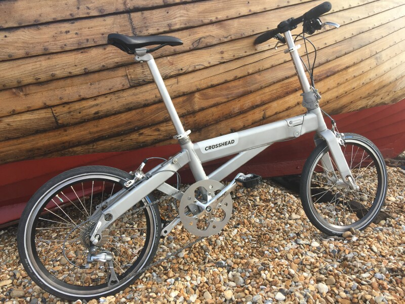 Crosshead folding bike